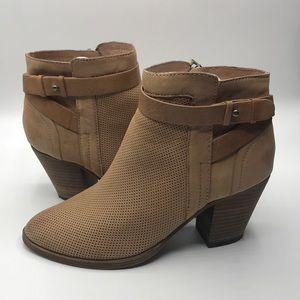 EUC Dolce Vita Women's Leather ZIP Up Booties